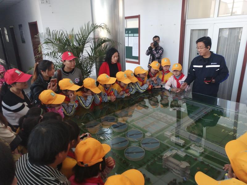 市迎江区双莲寺小学师生来安庆首创参观学习